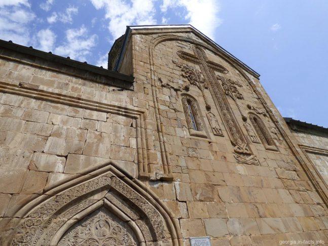 Внешние украшения на Успенском храме
