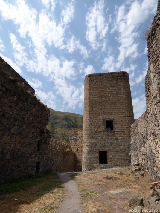 Внутренние стены в Хертвиси