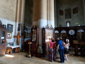 Внутри храма Метехи в Тбилиси