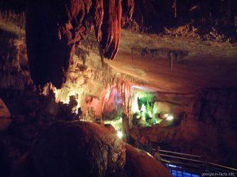 Внутри пещеры Сатаплия