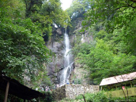 Водопад Махунцети недалеко от Батуми, Аджария
