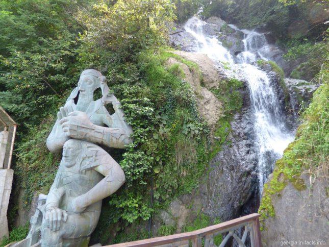 Водопад рядом с Батуми