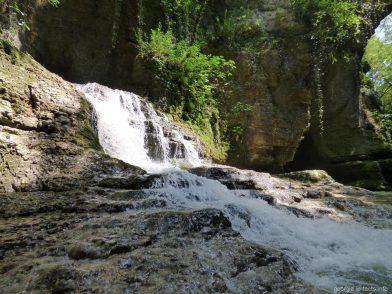 Водопад в каньоне Мартвили