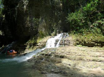Водопад в конце маршрута по Каньону
