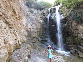 Водопад в центре города Тбилиси