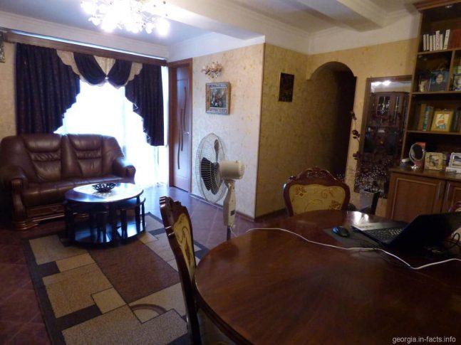 Зала из батумской квартиры