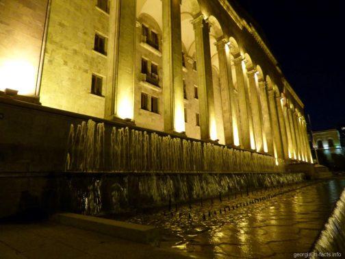 Здание парламента Грузии в Тбилиси