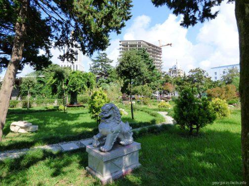 Парк у набережной Батуми