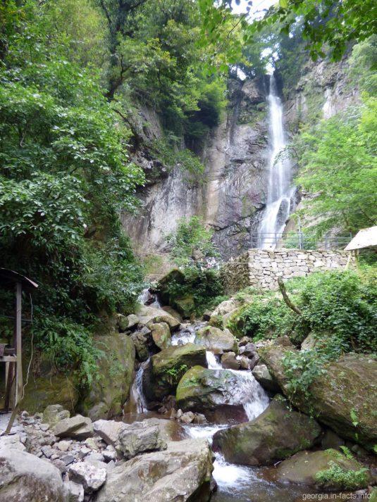 Махунцети - самый посещаемый водопад Аджарии