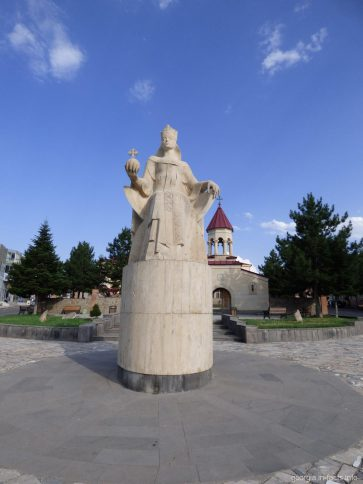 Памятник царице Тамаре в Ахалцихе, Грузия