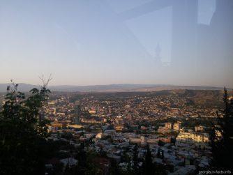 Кусочек Тбилиси из вагончика фуникулера