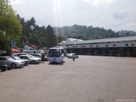 Остановка общественного транспорта в Сарпи, Грузия