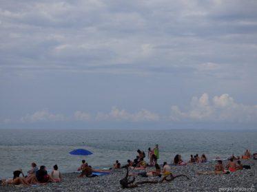 Пасмурная погода и пляжи во время нее в Батуми