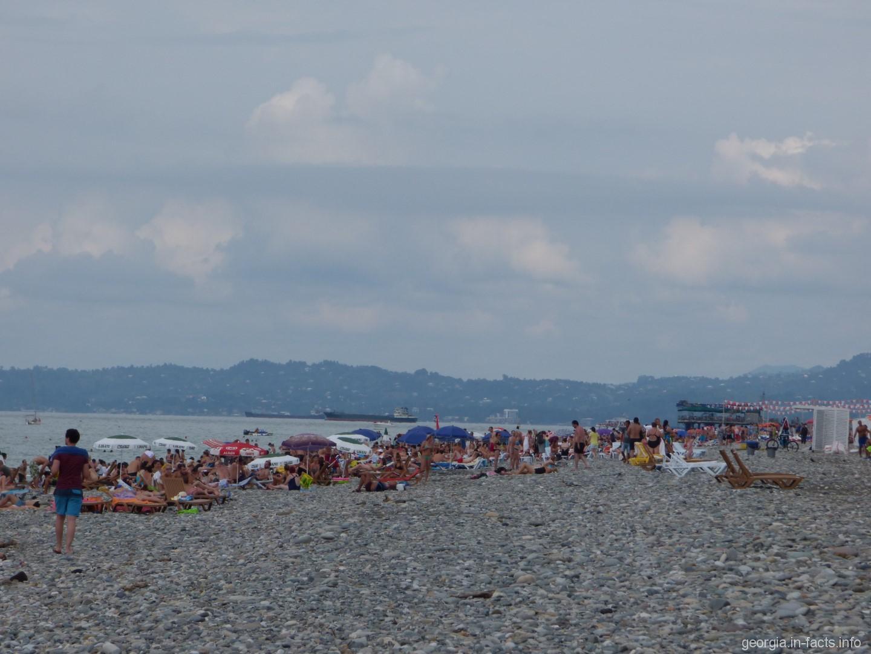 Картинки по запросу общественный пляж батуми