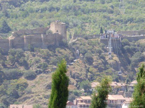 Тбилисская канатная дорога и крепость Нарикала