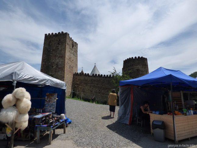 Крепость Ананури и квадратная башня, Грузия
