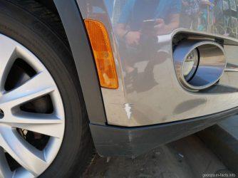 Повреждения авто царапина на бампере