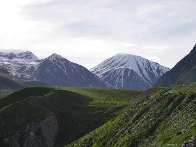 Величие грузинских гор