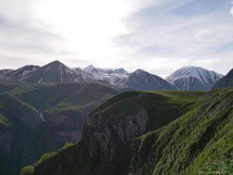 Горы на экскурсии по Военно Грузинской дороге