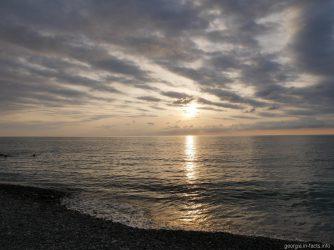 Море на закате, Грузия