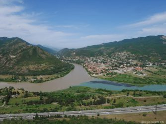 Слияние Арагви и Куры в Мцхете, Грузия
