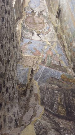 Древние фрески в Вардзиа