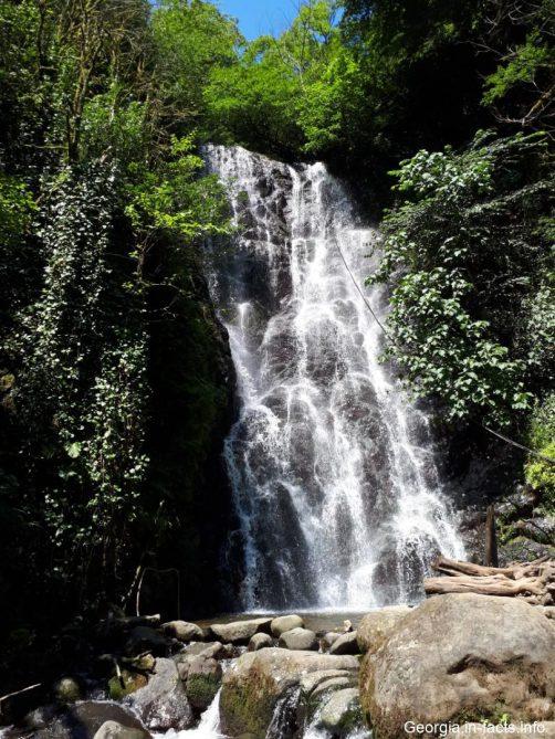 Фото водопада Мирвети