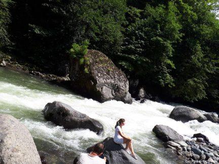 Фотосессия на горной реке
