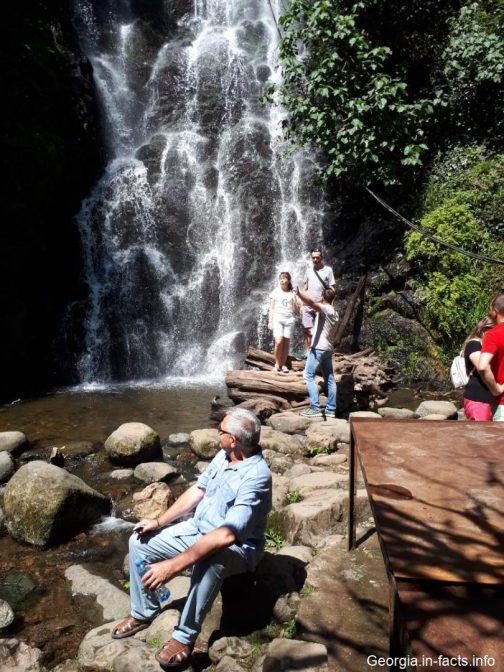 Фотосессия у водопада Мирвети