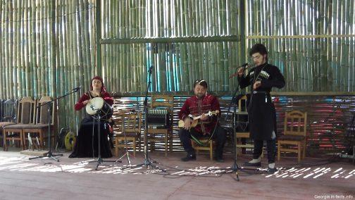 Грузинская музыка и костюмы