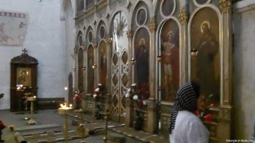 Иконостас в церкви Успения Грузия
