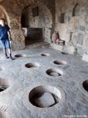 Квеври в монастыре Некреси