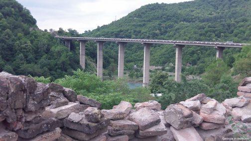 Мост у крепости Ананури