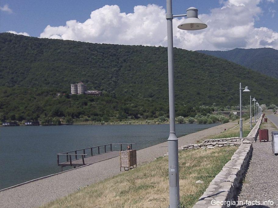 Озеро Илия в Грузии