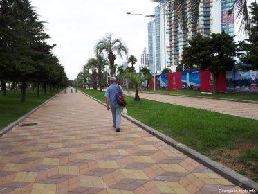 Пешеходная дорожка на набережной Батуми