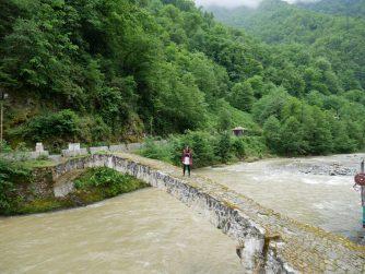 Арочный мост царицы Тамар в Аджарии